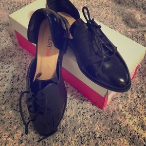 Black oxfords, never worn :)
